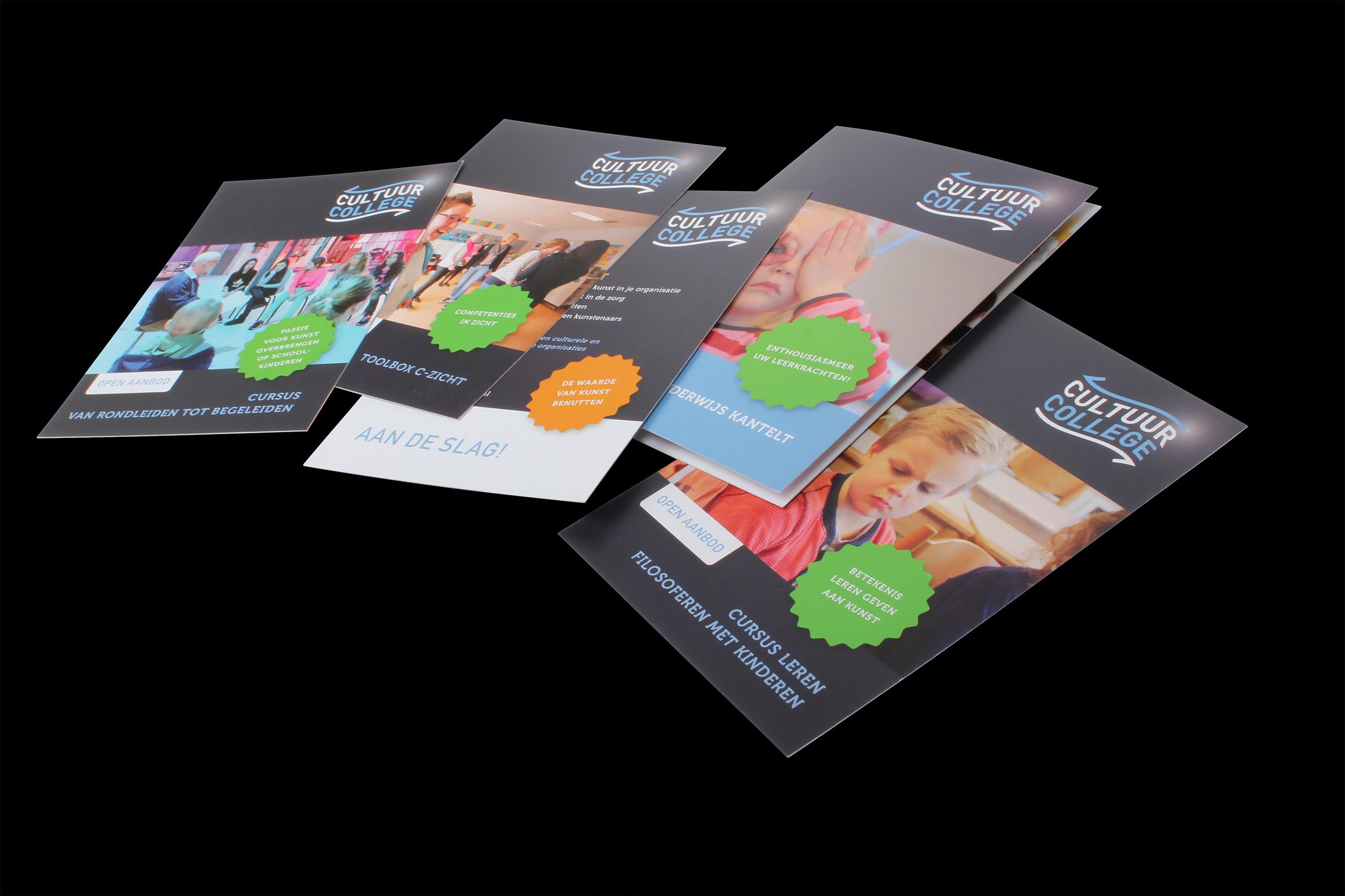 Folders en productkaarten van CultuurCollege, ontwerp Neo & Co