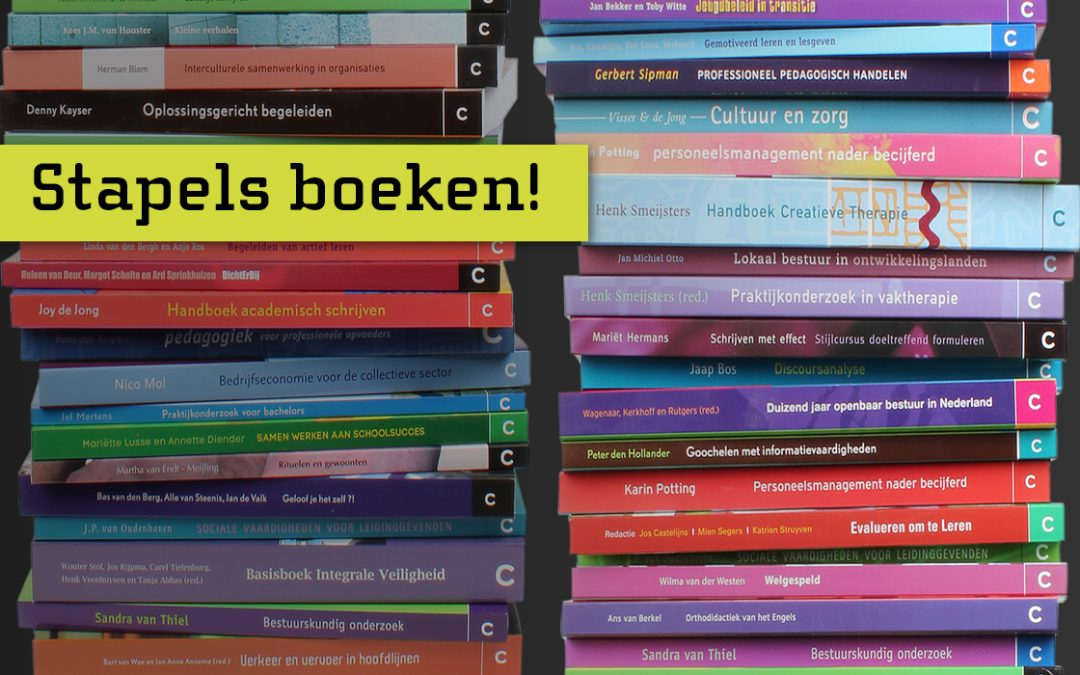 Boekvormgeving: stapels boeken voor uitgeverij Coutinho