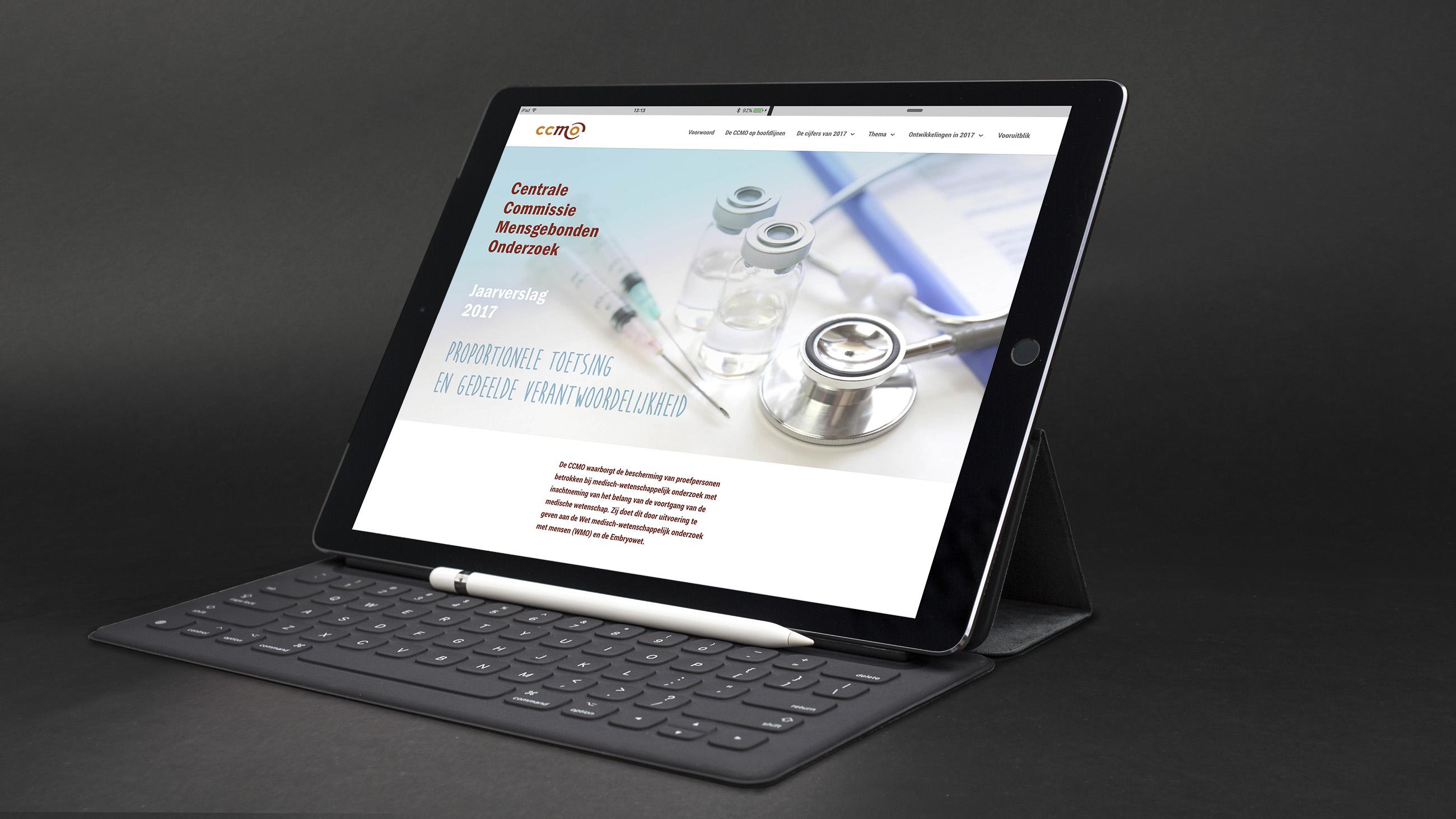 Jaarverslag CCMO 2016 op laptop, Website, Ontwerp en bouw Neo & Co